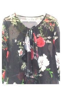 NY & Co. Sweet Pea Cold Shoulder Blouse Floral